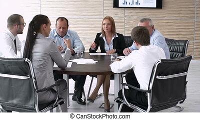 experte, runde tabelle