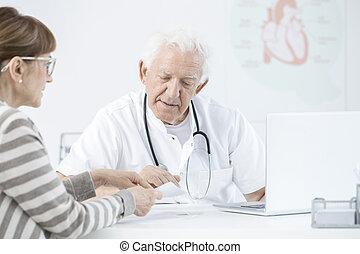 expliquer, médicaments, dosage, docteur