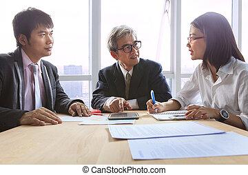 expliquer, réunion affaires, travail, solution, projet,...