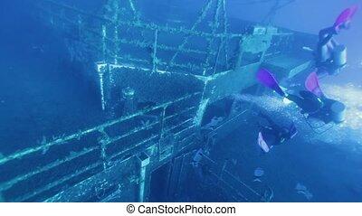 explorer, zenobia, plongeurs, naufrage