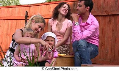 extérieur, 2, famille