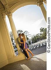 extérieur, couple, amphithéâtre, séduisant, portrait, aimer