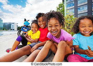 extérieur, ensemble, enfants, africaine, amusement, avoir, heureux