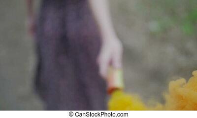 extérieur, fin, suivre, girl, robe, lent, coloré, smile.,...
