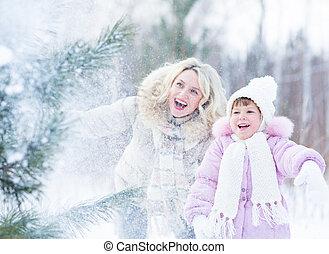 extérieur, hiver, neige, mopther, gosse, jouer, heureux