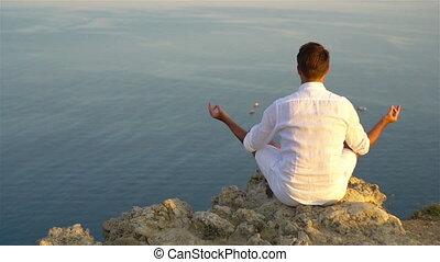 extérieur, homme, touriste, bord, falaise, rivage