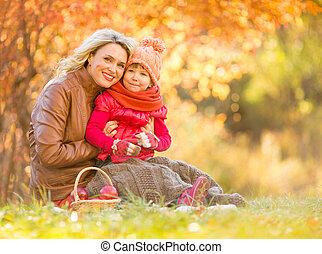 extérieur, séance, mère, automne, enfant, heureux