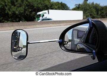 extension, conduite, caravane, miroir, vue postérieure
