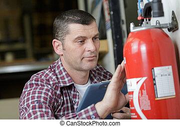 extintor, macho, verificar, escrita, fogo, técnico, documento