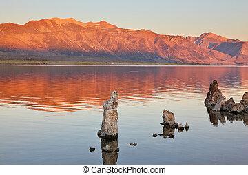 extrêmement, beau, paysage., lac mono, sur, a, sunset.