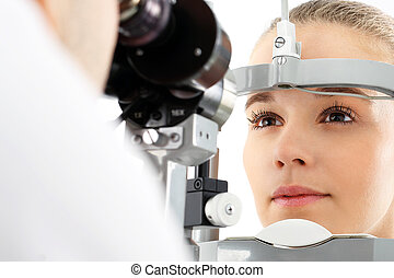 Eye examination. - The patient during an eye examination at...