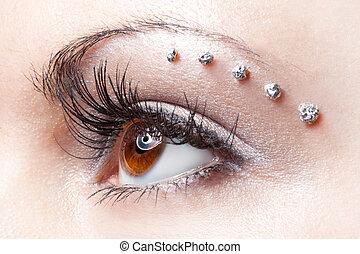 eye make-up on woman