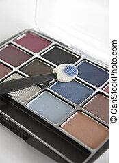 Eye Shadow - Eye shadow compact with applicator.
