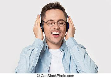 eyeglasses, вне себя от радости, парень, счастливый, music., любимый, enjoying