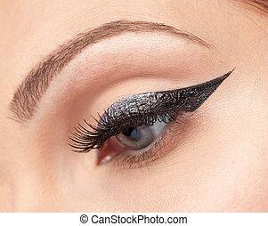 eyes make-up, eyeliner
