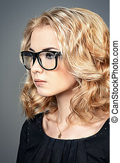 eyewear fashion