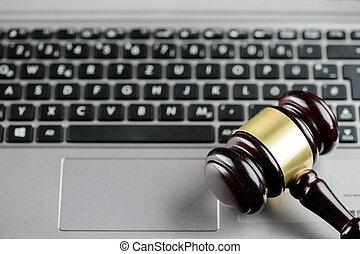 fából való, bírók, árverezői kalapács, képben látható, egy, számítógép, keyboard., kibernetikai, törvény, és, bűncselekmény