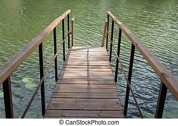 fából való, kikötőhíd, tó