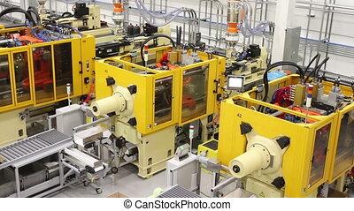 fábrica, maquinaria, filmagem sobre carrinhos