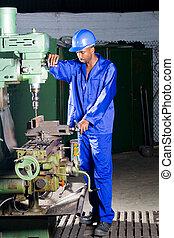fábrica, mecánico, en el trabajo