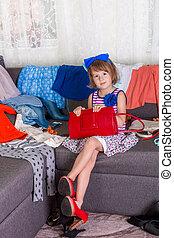 fárasztó, kevés, cipők, nagy, clothes., anya, új, leány, bag., choosing., piros