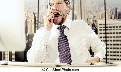 fâché, homme, email, bureau, écriture