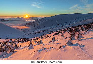 färgrik, vinter, soluppgång, in, den, fjäll.