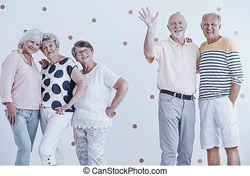 fél, barátok, öregedő