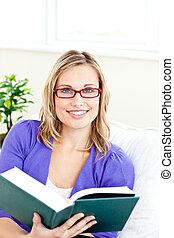 fényes, woman olvas előjegyez