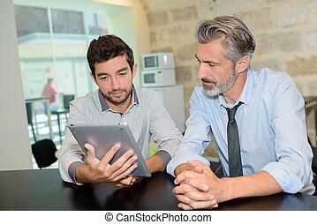 férfiak, munka, modern, két, étkezde, technológia