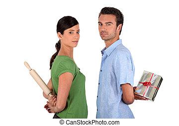 férj, mentegetőzik, fordíts, feleség