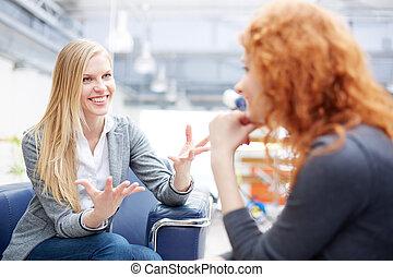 fêmeas, falando