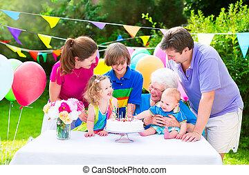 fête, anniversaire, famille, heureux
