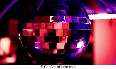 fête, balle, arrière-plan rouge, disco