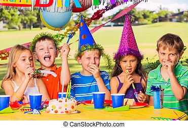 fête, gosses, anniversaire