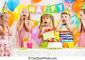 fête, gosses, groupe, anniversaire