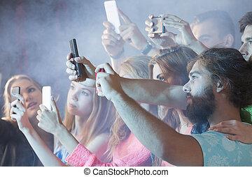 fête, prendre, selfie, gens