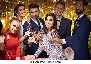fête, rassemblé, amis, célébrer