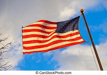 förenta tillstånd flaggar, vinka, med, vacker, sky, in, bakgrund