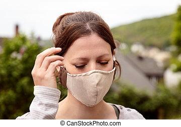 förhindrande, ansikte, hemlagat, tyg, bära maskera, coronavirus, tyg, kvinna, covid-19