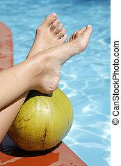 fötter, kokosnöt