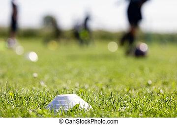 fútbol, pasto o césped, entrenamiento, futbol, fondo velado, deportes, venue., footballers, field., marcador, corriente