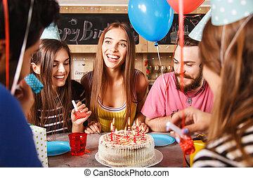 fünf, friends, feiern, a, geburtstagparty