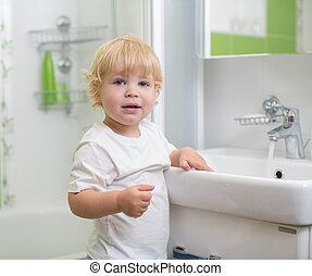 fürdőszoba, kölyök, mosakszik kezezés