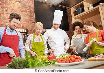 főzés, séf, szakács, konyha, barátok, boldog