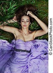 fű, lefektetés, gyönyörű woman