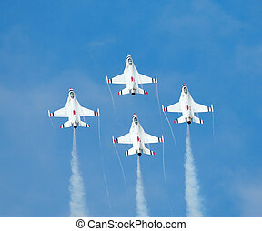 F-16 jet fighters of the aerobatic team Thunderbirds -...