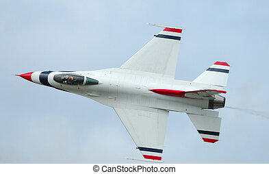 F-16 solo of Thunderbirds - Arctic Thunder airshow 2008 -...