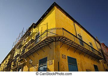 façade bâtiment, havane, vieux, jaune
