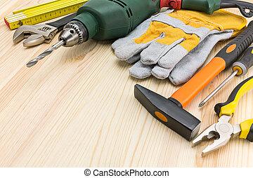 fa munka, eszközök, válogatott